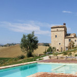 torre dei fratelli | le marche holliday rent villa for small group and team building