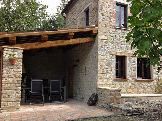 villa lago Le marche holiday | rent villa for holiday in italy