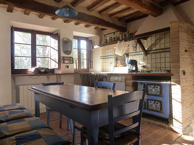 villa lago Le marche holiday   rent villa for holiday in italy